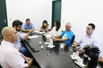 """""""Castramóvel"""" e situação de animais em empreendimento do Araretama foram discutidos em reunião da Frente Parlamentar dos Animais"""