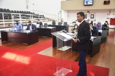 32ª Sessão Ordinária: Plenário determina o adiamento de 2 Projetos e aprova denominação de rua no Residencial Santa Clara no Crispim
