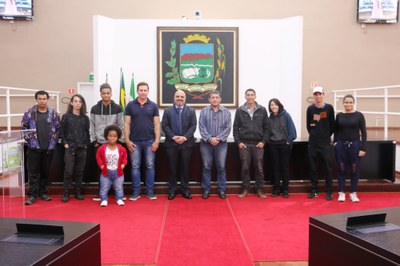 Alunos da Escola Estadual Dr. Demétrio Ivahy Badaró visitam a Câmara de Vereadores