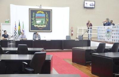 Audiência Pública para discutir Educação dura 30 minutos e frustra docentes e pais de Pindamonhangaba
