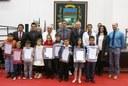 Câmara presta homenagem a alunos da Remefi Padre Zezinho durante 19ª Sessão Ordinária