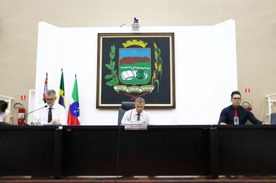 Com debates intensos, Câmara de Pindamonhangaba confirma por 6 votos a aprovação de Projeto que cria empregos de Diretor de Escola