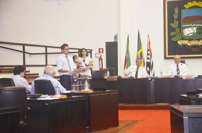 Estudantes poderão fazer estágio não remunerado, diz Projeto aprovado pela Câmara de Pindamonhangaba