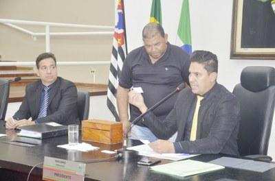 Por unanimidade Câmara aprova desafetação de área para regularização do Núcleo Queiroz e crédito adicional de R$ 900 mil para a Saúde