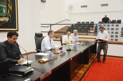 Reverenciado pelos católicos da cidade, Padre Osmar Barbosa recebe homenagem póstuma da Câmara de Pindamonhangaba