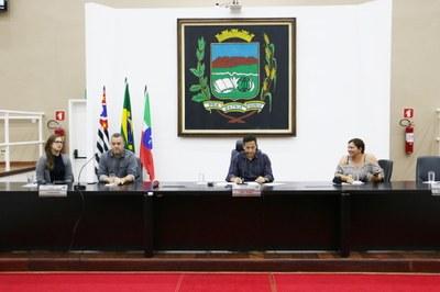 Revisão de horários e itinerários e nova Licitação dominaram os debates da Audiência Pública do Transporte na Câmara de Pindamonhangaba