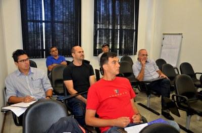 Vereadores participam de reunião com gestor da EDP Bandeirante