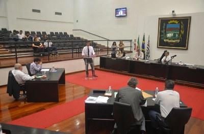 Vereadores rejeitam projeto do Executivo e aprovam alteração na Lei Orgânica