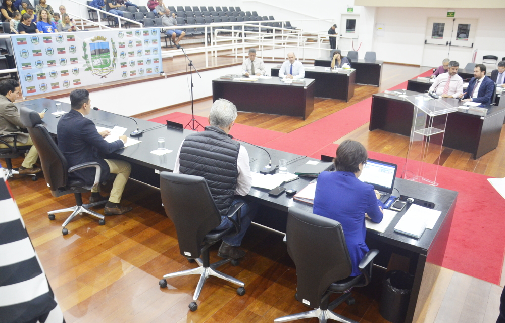 """Veto parcial do Executivo ao artigo da Lei de """"Licença-Prêmio"""" é acatado pelos vereadores de Pindamonhangaba"""